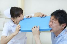 Bizarre Hospital-Themed Stock Photos From Japan - Neatorama Funny Photoshop Pictures, Funny Meme Pictures, Weird Pictures, Reaction Pictures, Stock Pictures, Funny Memes, Funny Stock Photos, Funniest Pictures, What Are Stock Photos