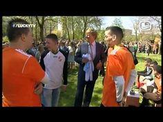 LuckyTV; Koning Willy heb zin an morgen 25 4 2014 De Wereld Draait Door DWDD - YouTube