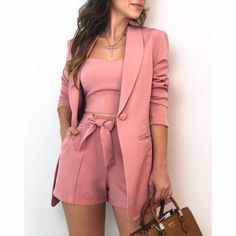 𝓟𝓲𝓷𝓽𝓮𝓻𝓮𝓼𝓽: kayliisis ✨ looks femininos, roupas da moda, roupas top, roupas chique Pink Outfits, Mode Outfits, Short Outfits, Classy Outfits, Chic Outfits, Trendy Outfits, Blazer Outfit, Blazer Fashion, Vetement Fashion