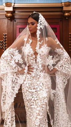 Fancy Wedding Dresses, Stunning Wedding Dresses, Wedding Dress Sleeves, Beautiful Gowns, Bridal Dresses, Bridesmaid Dresses, Lace Bridal Gowns, Spanish Lace Wedding Dress, Mermaid Wedding Gowns