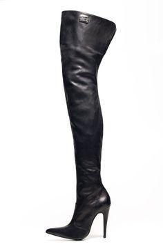 85e5f536919fe 182 meilleures images du tableau Shoes Black Chaussures femmes ...