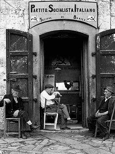 """Gente del Sud,"" an Italian village scene, by Nino Migliori, 1956 Old Pictures, Old Photos, Fotografia Social, Pier Paolo Pasolini, Italian People, Foto Fashion, Vintage Italy, Cultural, Black And White Pictures"