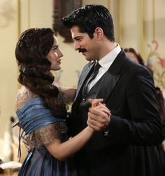 that one brief happy moment in all the chaos Tv Couples, Young Couples, Romantic Couples, Beautiful Love Stories, Beautiful Couple, Leon Matilda, Kurt Seyit And Sura, Tv Series 2013, Turkish Beauty