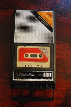 Retro CASSETTE TAPE RECORDER - to tape songs off the radio!
