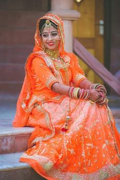 "AV Photography ""Shivangi's Bridesmaid"" Weddig Bridal Lehenga - Bride in Amazing Saree Gown. More information on WeddingNet Indian Bridal Photos, Indian Wedding Poses, Indian Wedding Couple Photography, Indian Bridal Outfits, Indian Bridal Fashion, Bride Photography, Rajasthani Bride, Rajasthani Dress, Rajasthani Photo"