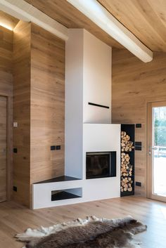 Holiday Chalet by Claude Petarlin Concrete Fireplace, Modern Fireplace, Living Room With Fireplace, Fireplace Built Ins, Fireplace Surrounds, Style At Home, Camino Design, Chalet Interior, Chalet Design