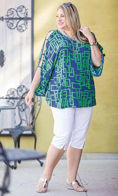 The Top ppl, the top is what.Andie Open Sleeve Blouse/ MiB Plus Size Fashion for Women The soft crinkle rayon Andie Open Sleeve Blouse has a bold contemporary pattern and flirty open sleeves that'll make you the life of the party. Pair it with crops or a Moda Plus Size, Plus Size Tops, Plus Size Blouses, Plus Size Fashion For Women, Plus Size Women, Curvy Fashion, Plus Fashion, Womens Fashion, Comfortable Outfits