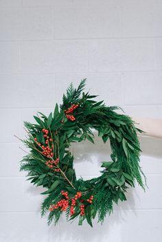 Making fresh green wreaths