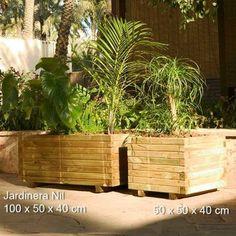 Jardinera en madera para exterior cuadrada