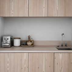 The New Angle On Sundlingkicken Minimalistic Nordic Kitchen Design for Nordiska Kk Just Released - homemisuwur Nordic Kitchen, New Kitchen, Kitchen Dining, Kitchen Cabinets, Open Concept Kitchen, Open Plan Kitchen, Contemporary Kitchen Design, Modern Interior Design, Kitchen Interior