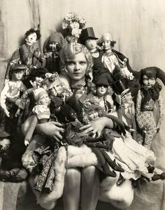 Fridge Magnet Creepy Doll Mania, woman with too many dolls, vintage photo image Antique Photos, Vintage Pictures, Vintage Photographs, Creepy Old Pictures, Strange Pictures, Scary Photos, Bizarre Photos, Old Dolls, Antique Dolls