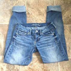 """Light Wash Skinny Jeans Perfect condition, no flaws. Worn a handful of times. 32"""" inseam and 29"""" waist. American Eagle Outfitters Jeans Skinny"""