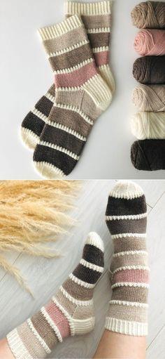 Filet Crochet Charts, Free Crochet, Knit Crochet, Knitting Patterns, Crochet Patterns, Crochet Slippers, Bare Foot Sandals, Knitting Socks, Crochet Projects