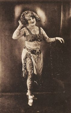 Ruth Silvia, tattooed lady, 1900s