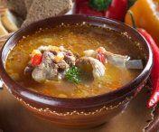 Reteta bunicilor - Cum prepari ciorba de miel Thai Red Curry, Carne, Chili, Ethnic Recipes, Desserts, Soups, Honey, Essen, Tailgate Desserts