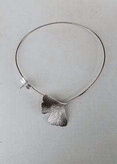 Collana GINKO girocollo rigido in argento di calcagninigioielli, $200.00