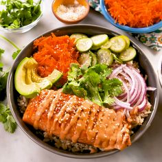 Spicy Salmon Grain Bowl There is something magical about grain bowls. They are perfect for meal prepping and packing up for lunches. All of the components are great on their own, and once they're. Fish Recipes, Seafood Recipes, Asian Recipes, Fresh Tuna Recipes, Baked Salmon Recipes, Seafood Dishes, Cake Recipes, Healthy Dinner Recipes, Cooking Recipes