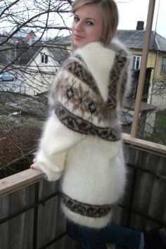 New Icelandic sweater with hood by Mohair Magic Fluffy Sweater, Angora Sweater, Icelandic Sweaters, Cozy Sweaters, Sweater Fashion, Sweater Outfits, Pull Angora, Gros Pull Mohair, Warm Outfits