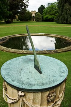 Sundial ..... the world's oldest clock