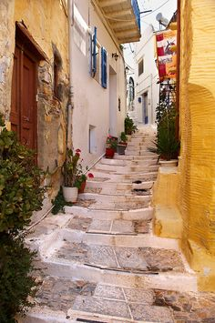 Narrow streets & houses of Ano Syros, Syros Island Beautiful World, Beautiful Places, Syros Greece, City Collage, Empire Ottoman, Greece Photography, Greek Beauty, Outdoor Pictures, Street House