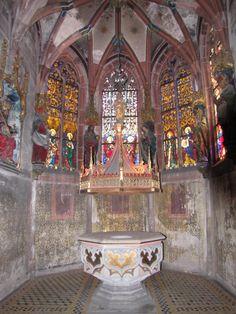 Eglise St-Pierre le Jeune - chapelle de la Trinité - fonds baptismaux