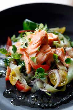 PEBBLE SOUP: Irish Confit Salmon with tomato, onion and cucumber salad, dressed with lemon and coriander oil