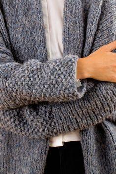 The Initiative Handarbeit offers ideas, suggestions and free instructions for …. The Initiative Handarbeit offers ideas, suggestions and free instructions for … – stricken – … Easy Knitting, Knitting For Beginners, Knitting Patterns, Knitting Sweaters, Crochet Pullover Pattern, Knit Crochet, Diy Mode, Knitted Coat, Crochet Stitches