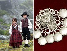 Folk costumes - Finland