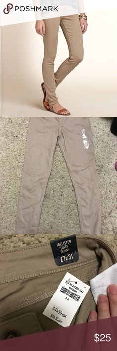 Hollister khaki super skinny jeans 5R New with tag Hollister Jeans Skinny