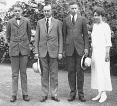Calvin & Grace & the boys.the younger son died while they were in the White House. The Coolidge family, Calvin Coolidge President of the United States, First Lady Grace Coolidge, their two sons John Coolidge and Calvin Coolidge, Jr. History Of Presidents, Presidents Wives, American Presidents, Us History, American History, Republican Presidents, Air Force One, Calvin Coolidge, American First Ladies