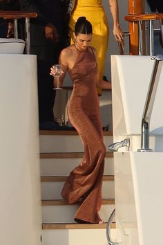 Kendall jenner style 301459768806967490 - Kendall Jenner at Cannes Source by duyguaksum Kendall Jenner Estilo, Kendall Jenner Outfits, Kendall Jenner Jumpsuit, Kendall Jenner Modeling, Le Style Du Jenner, Kylie Jenner Style, Outfit Chic, Look Girl, Elegantes Outfit
