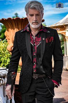 Embroidered black shawl collar party blazer tuxedo with black pants Indian Men Fashion, Mens Fashion Suits, Blazer Fashion, Smoking, Vintage Wedding Suits, Style Costume Homme, Gothic Men, Mode Steampunk, Satin Noir