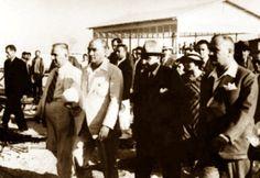 Eleftherios Venizelos, Yunanistan Başbakanı, 1933</br>Bir ulusun hayatında bu kadar az sürede bu denli kökten değişiklik pek seyrek gerçekleşir... Bu olağanüstü işleri yapanlar, hiç kuşkusuz kelimenin tam anlamıyla büyük adam niteliğine hak kazanmışlardır. Ve bundan dolayı Türkiye övünebilir.