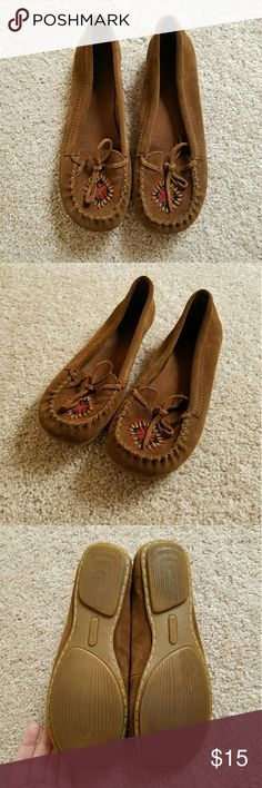 Minnetonka Moccasins Leather upper, great condition, size 8. Minnetonka Shoes Moccasins