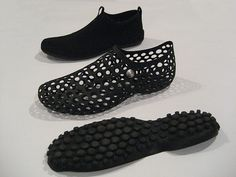 Nike Zvezdochka. A Marc Newson design. This shoe is inspired as footwear for astronauts and named after the 1st dog in space. Note the shoe has the same look 360 degrees but the upper is concave and the outsole is convex.