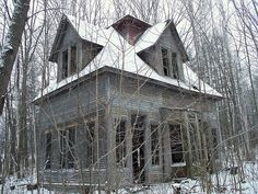 Train station was built in 1880's and abandoned in the early 1920's. It now sits in the woods on the outskirts of Bethlhem, NH dying a slow death! | Flickr - Photo Sharing!