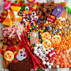 Halloween Movie Night, Halloween Drinks, Halloween Food For Party, Halloween Desserts, Halloween Birthday, Halloween Candy, Easy Halloween, Halloween Decorations, Halloween 2016