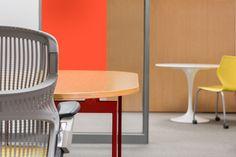 #antenna table and #generation chair by #knoll. A #Escinter providencia o melhor design do mundo e produção local.