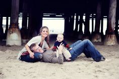 family of 3 photography Cute Photography, Children Photography, Newborn Photography, Fall Family Pictures, Family Photos, Family Posing, Family Portraits, Picture Poses, Picture Ideas