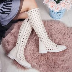 Cizme perforate de varadama bej Ralesia Knee Boots, Casual, Shoes, Fashion, Moda, Zapatos, Shoes Outlet, Fashion Styles, Knee Boot