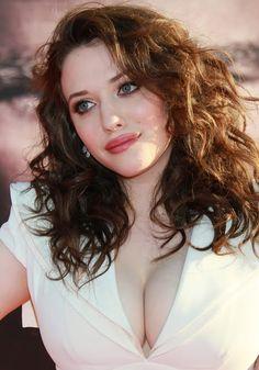 Kat Dennings Big Boobs look at em pop