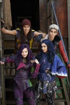 Dove Cameron, Booboo Stewart, Sofia Carson, Cameron Boyce Beyond The Descendants, Descendants Characters, Disney Channel Movies, Disney Channel Descendants, Disney Movies, Descendants Pictures, Cameron Boyce Descendants, Disney Stuff, Sofia Carson