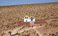 Chile Quaint church in the tiny village of Machuca, between El Tatio Geysers and San Pedro de Atacama. The Places Youll Go, Places To Visit, Desert Dream, Small Places, Creature Comforts, Word Of The Day, Lonely Planet, Monument Valley, Landscape Photography