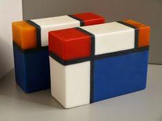 pasito a pasito: - - Mini-Serie: - - 8 Picassos por 34 millones - - - 1 Mondrian por 10 euros
