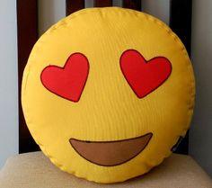 cojin emoji enamorado wasap para regalar