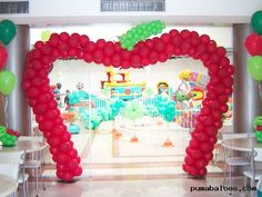 The world of imagination and dreams is known by every child, is through him who enjoy imagining situations and jokes. Take this idea to organize a birthday Birthday Table, Birthday Parties, Snow White Birthday, Kids Party Decorations, Party Ideas, Disney Princess Party, Table Set Up, Malu, Princesas Disney