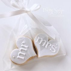 Our Mr & Mrs wedding cookie favours featured in Wedding Cakes Magazine Autumn 2017 edition wedding favors Biscuit Wedding Favours, Coffee Wedding Favors, Wedding Cake Cookies, Honey Wedding Favors, Edible Wedding Favors, Wedding Cupcakes, Wedding Favor Bags, Unique Wedding Souvenirs, Creative Wedding Favors