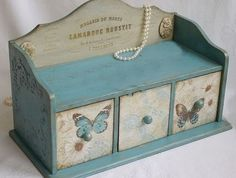 Serviettage or décopatch - more than 70 DIY ideas for a creative decor - Fashion And Hairstyle Decoupage Vintage, Decoupage Box, Wood Crafts, Diy And Crafts, Paper Crafts, Decoration Shabby, Decoupage Furniture, Pretty Box, Altered Boxes