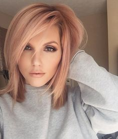 Trends 2018 – Gold Rose Hair Color : Rose Gold Hair Inspiration for You Blond Rose, Rose Gold Hair Blonde, Blonde Hair For Pale Skin, Rose Gold Short Hair, Platinum Blonde, Pink Hair, Cabelo Rose Gold, Gold Hair Colors, Hair Colours For Pale Skin