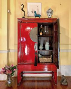 #weddingcabinet #restoredfurniture #furniture #furnitureshopping #interiordesign #asianart #nookdeco #chinesefurniture